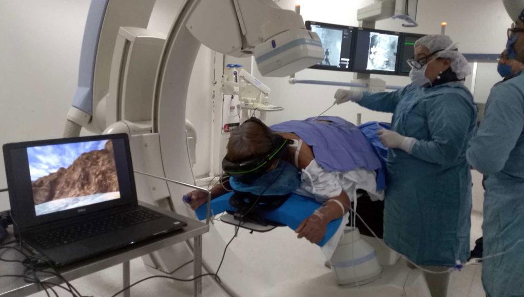 Pionero mexicano en el uso de realidad virtual en medicina