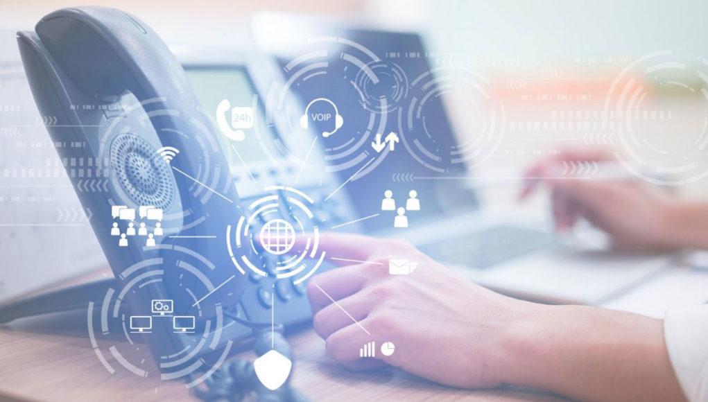 La comunicación proactiva mejora la experiencia de los pacientes. Si se le suma la IoMT, puede lograrse una atención médica personalizada.