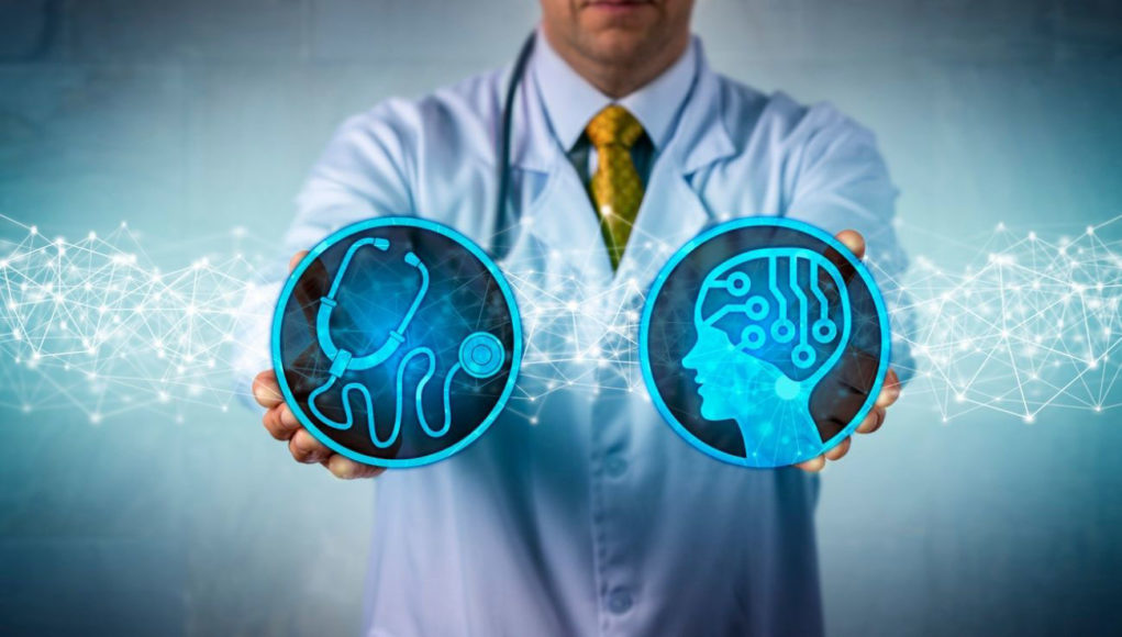 Machine learning es IA capaz de mejorar la atención médica, tanto para prevenir infecciones nosocomiales como detectar enfermedades crónicas con antelación.