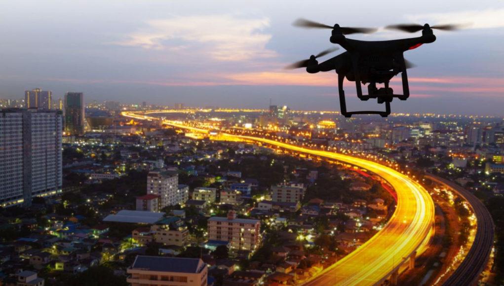 El uso de drones permite a los gobiernos generar eficiencias, reducción de costos y lograr un mejor uso de los recursos humanos.