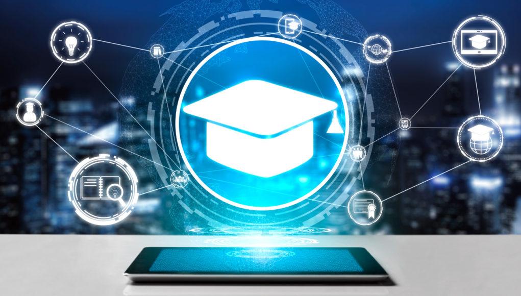 Graduación universitaria virtual: alternativa frente al COVID-19