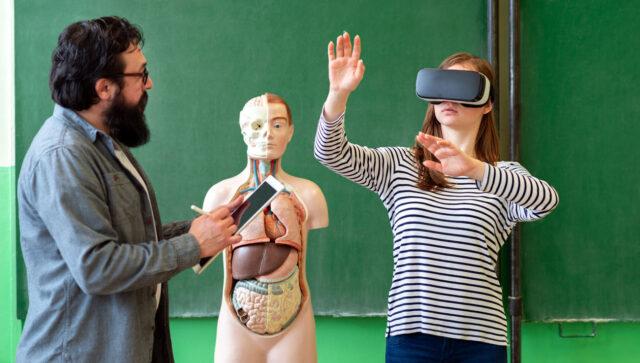 Realidad virtual epidérmica para la educación